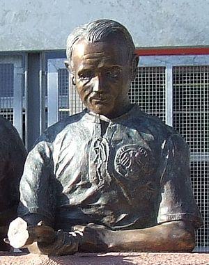Werner Kohlmeyer - Image: Werner Kohlmeyer statue