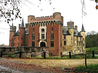 County of Flanders - Wijnendale Castle with a view of the 15th-century part