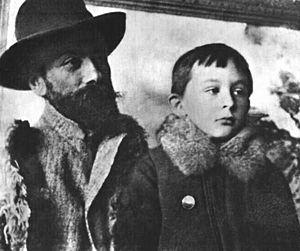Stanisław Ignacy Witkiewicz - Little Witkacy with his father, ca. 1893