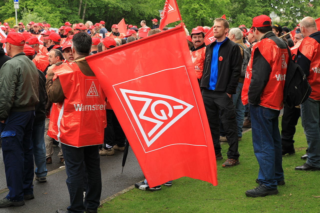 Witten - IG Metall Warnstreik 2012 07 ies.JPG