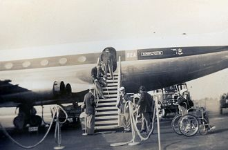 Australia at the 1960 Summer Paralympics - Australian team disembarking from their plane