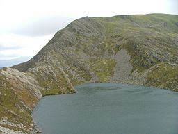 Y Llethr across Llyn Hywel from scree slope of Rhinog Fach - geograph.org.uk - 534766.jpg