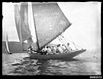 Yachts on Sydney Harbour (7164604375).jpg