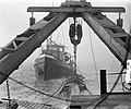 Zandzuiger Ahoy zuigt onder wrak Faustus, Bestanddeelnr 905-4737.jpg