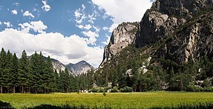 Kings Canyon National Park - The upper part of Kings Canyon, seen here at Zumwalt Meadow, was carved out by Ice Age glaciers.