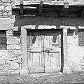 """""""Kalonja"""" (vhod v štalo- hlev), Pregarje, pri Frankovih 1955.jpg"""