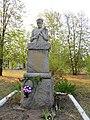 Братська могила 6 партизан і пам'ятник односельчанам в Великій Вітчизняній війні, в т.ч. братам Савченко, с. Мошни,.jpg