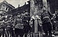 Лидия Русланова у стен Рейхстага 2.jpg