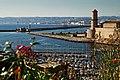 Марсель, Франция. Старый порт, форт св. Иоана и башня Рене I.jpg