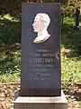 Мемориальный знак Льва Толстого.jpg