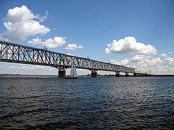 Саратовский железнодорожный мост.jpg