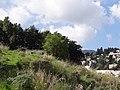 גבעת העמדות ברכס נשר ההיסטורי - בונקר ששימש למגורי חיילים במעלה הגבעה (2).jpg