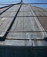 圣母院楼顶涂鸦2 - panoramio crop.jpg