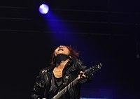 13-04-27 Groezrock Crossfaith Kazuki Takemura 01.jpg