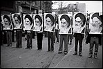 1978 Iranian revolution - row of men holding khomeini's photos.jpg