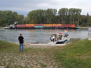 20110917Rhein Rheinhausen1.jpg