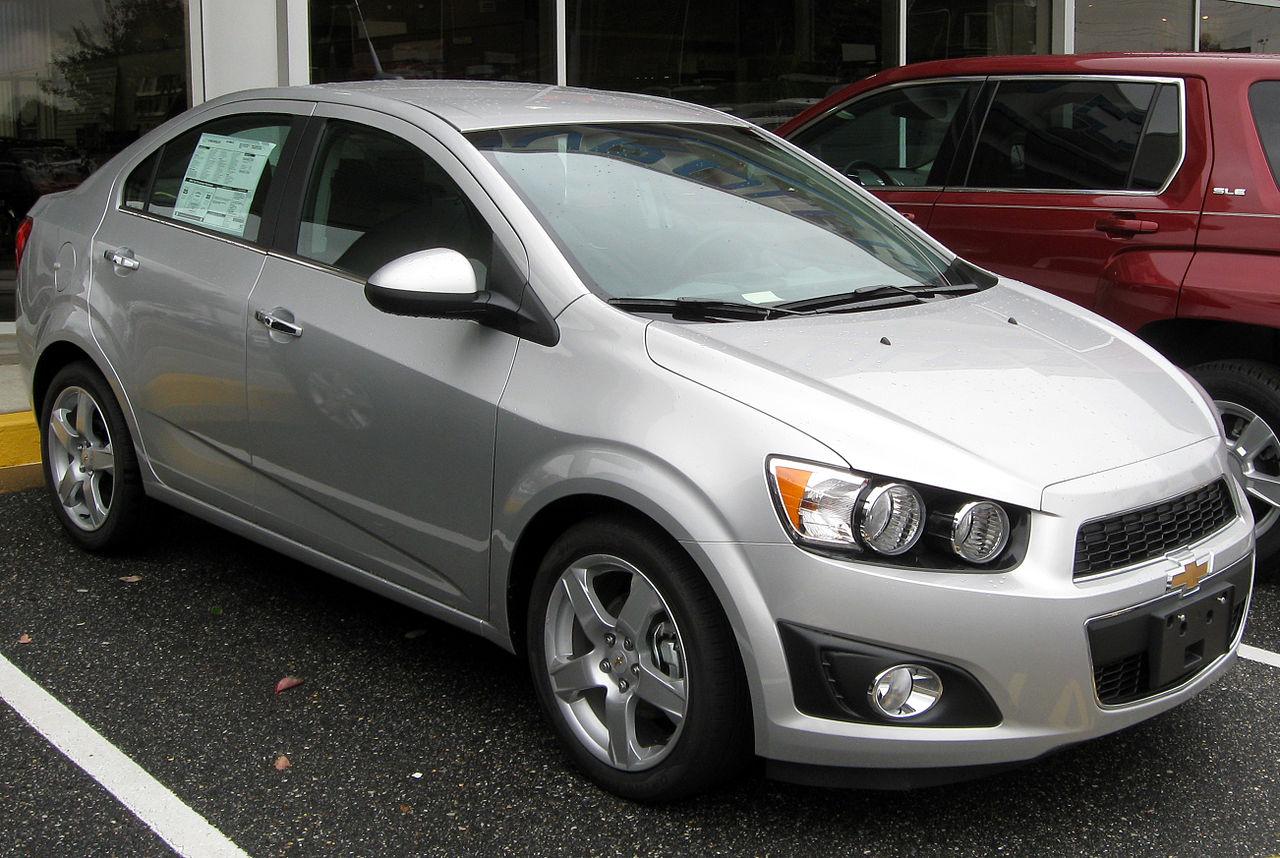 File:2012 Chevrolet Sonic LTZ sedan -- 10-19-2011 front ...