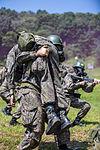 2015.8.11 수도기계화보병사단 신병교육대 각개전투훈련 Individual combat skill and techniques training, Republic of Korea Army Capital Mechanized Infantry Division (22792513095).jpg