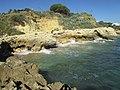 2017-01-23 Rocky cove near Praia de Aveiros, Albufeira.JPG