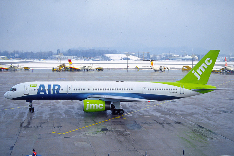 800px-204ao_-_JMC_Air_Boeing_757-2G5%2C_G-JMCG%40SZG%2C25.01.2003_-_Flickr_-_Aero_Icarus.jpg