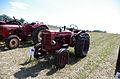 3ème Salon des tracteurs anciens - Moulin de Chiblins - 18082013 - Tracteur International W4 - 1953 - gauche.jpg