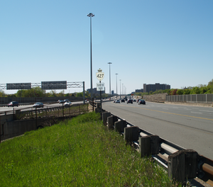 Ontario Highway 427 - Highway 427 south of Eglinton Avenue features a collector-express system.