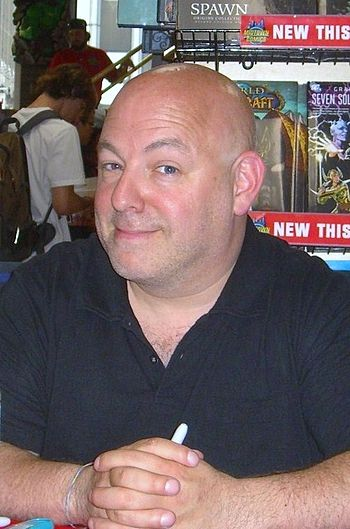 English: Writer Brian Michael Bendis at a book...