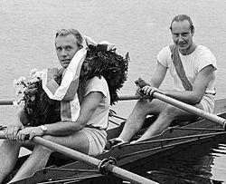 Aage Larsen and Ebbe Parsner 1949.jpg