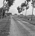 Aanleg en verbeteren van wegen, dijken en spaarbekken, landbouwwegen, Bestanddeelnr 161-1345.jpg
