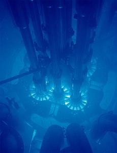 https://upload.wikimedia.org/wikipedia/commons/thumb/f/f2/Advanced_Test_Reactor.jpg/230px-Advanced_Test_Reactor.jpg
