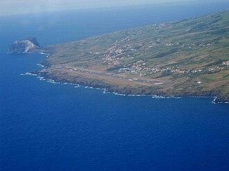 Castelo Branco (Horta) - The International Airport in Castelo Branco and view of the urbanized settlement