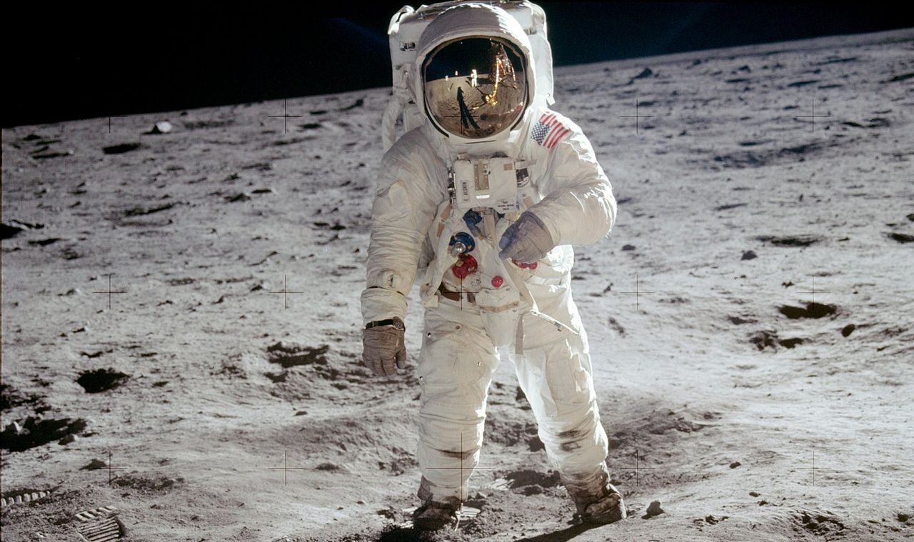 neil armstrong backpack - photo #35