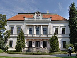 Ambrózy manor 1.jpg