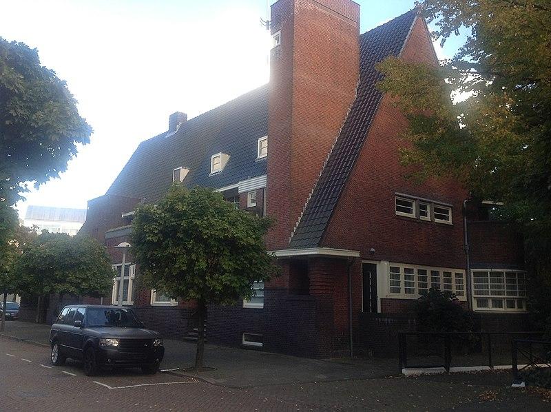 Dubbele villa gebouwd in de stijl van de 39 amsterdamse school 39 in amsterdam monument - Decoratie stijl van de bergen ...