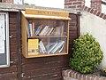 Anglesqueville-l'Esneval (Seine-Mar.) boîte à livres.jpg
