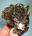Apatite-(CaF)-Muscovite-181696.jpg
