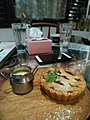 Apple pie with custard.jpg