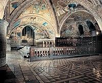 Altare nella Basilica inferiore di Assisi.