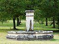 Aubas Sauveboeuf fontaine.jpg