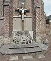 Auberchicourt - Cimetière de l'église Notre-Dame-de-la-Visitation, tombe de la famille Choque (02).JPG