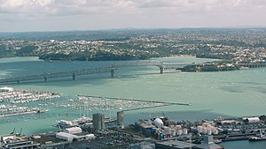 奧克蘭: Auckland Harbour Bridge aerial
