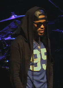 Alsina performing in May 2015