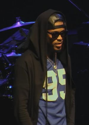 August Alsina - Alsina performing in May 2015