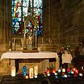 Autel et statue de Notre-Dame du Vœu dans la basilique Notre-Dame-de-Paradis, Hennebont, France.jpg