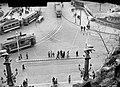Az Erzsébet híd budai hídfője, a Szent Gellért szobor alatti hídról fényképezve, jobbra a Hungária ivócsarnok kupolája. Fortepan 5278.jpg