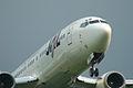 B737-436(JA8996) approach @ITM RJOO (1090219253).jpg