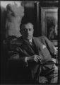 Bachstitz Walter portrait by Arnold Genthe (1923).png