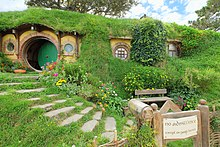 Peter Jackson Said Of The Set It Felt As If You Could Open Circular Green Door Bag End And Find Bilbo Baggins Inside
