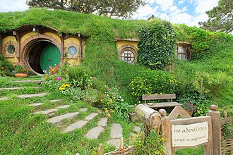 Hobbiton Movie Set - Image: Baggins residence 'Bag End' with party sign