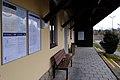 Bahnhof Bad Pirawarth Wartebereich.JPG